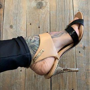 Ivanka Trump leather heels 👠 🕶🖤9️⃣